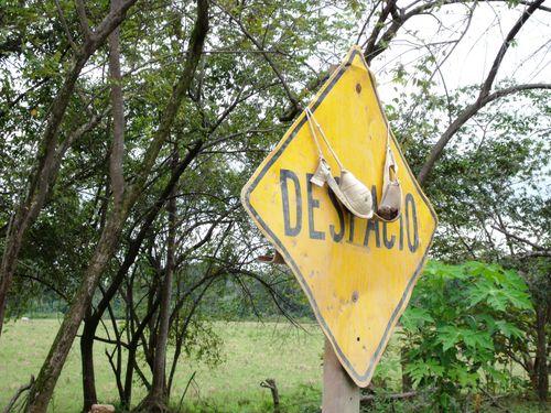 Despacio means slow